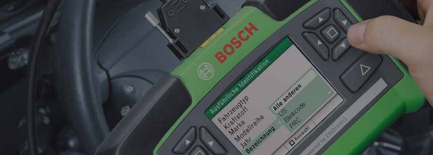 Bosch ECU scan tool in use